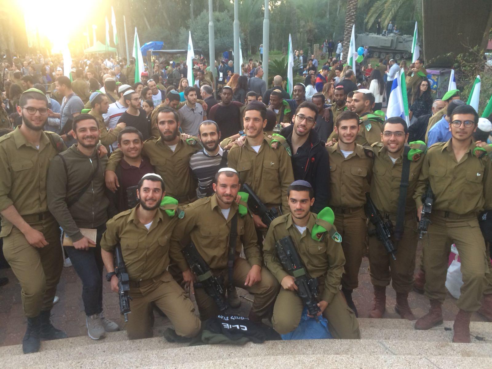 Le maire communiste refoulé à la frontière avec Israël — Gennevilliers